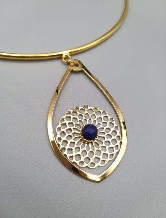 Collier ras de cou goutte rosace et sa pierre gemme Lapis-lazuli