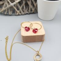 Ensemble boucles d'oreilles et collier doré/rouge